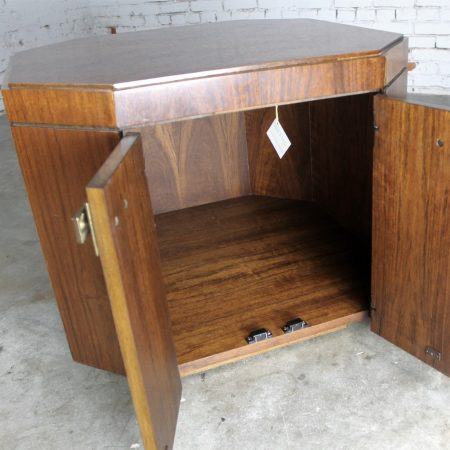 Fabulous Vintage Founders Furniture Cabinet Style End Table Chest