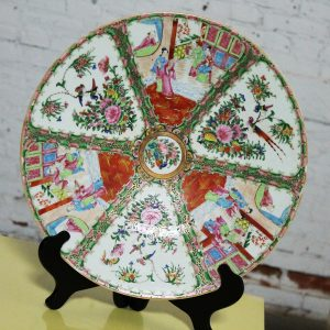 Large Antique Chinese Qing Rose Medallion Porcelain Charger or Platter Traditional Design
