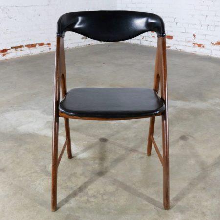 Small A Frame Scandinavian Modern Side Chair Manner of Kai Kristiansen Compass Chair
