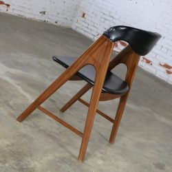 Small A Frame Scandinavian Modern Side Chair Manner of Kai Kristiansen Compass Chair