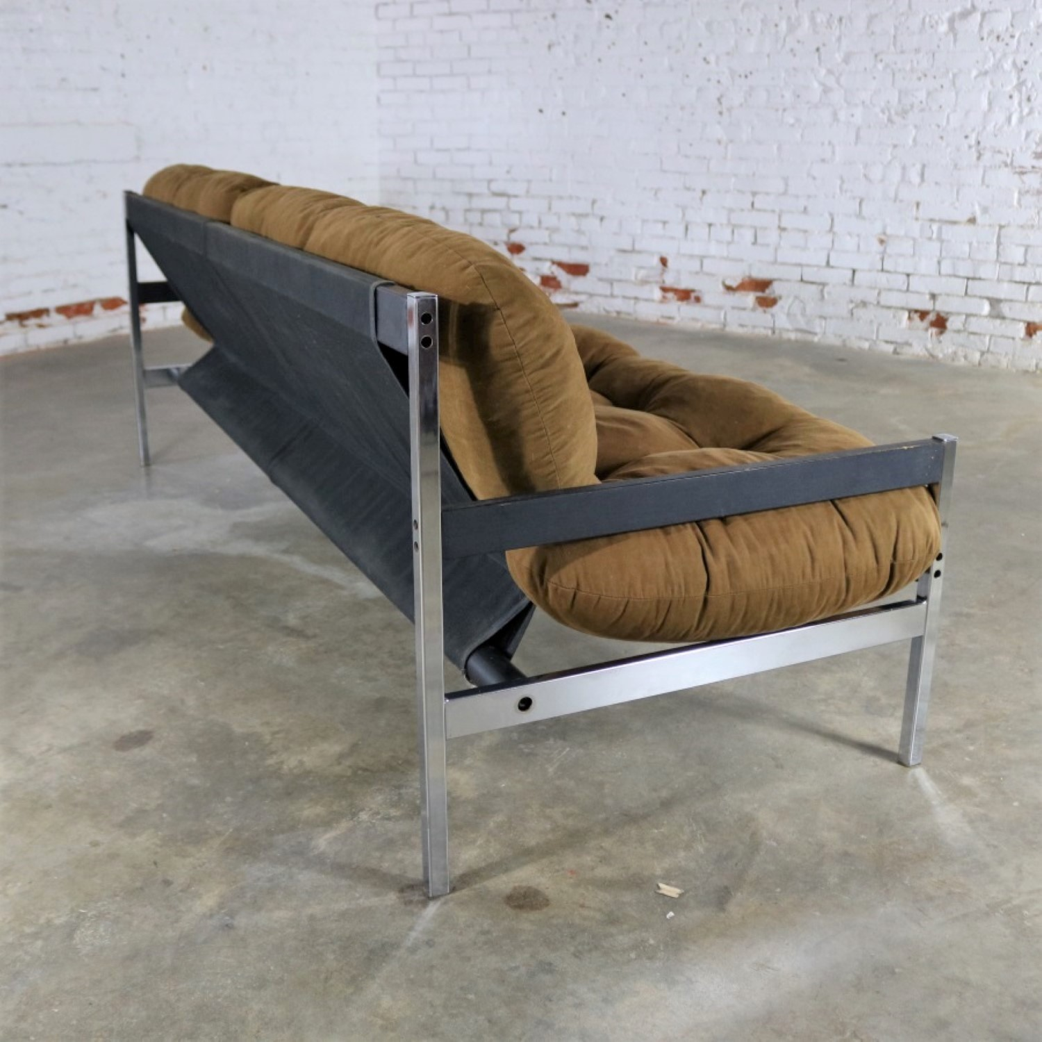 Landes Manufacturing Sling Sofa From The Encino Collection