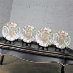 Antique Chinese Qing Rose Medallion Porcelain Nine Inch Plates Traditional Design Set of 4 Peeking – 2 and 2