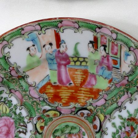 Antique Chinese Qing Rose Medallion Porcelain Nine Inch Plates Traditional Design Set of 4 Peeking - 2 and 2