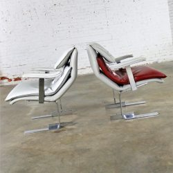 Pair Vintage G. Maletti Lounge Chairs in the Style of Onda by Giovanni Offredi for Saporiti Italia