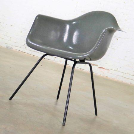 Elephant Hide Gray Eames Herman Miller Molded Fiberglass DAX Arm Shell Chair H Base