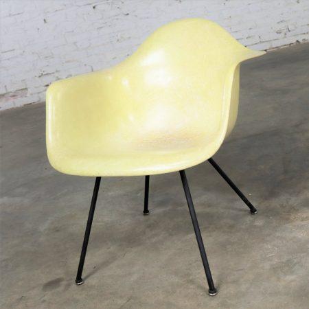 Eames Herman Miller LAX Fiberglass Arm Shell Chair X Base Zenith Rope Edge Yellow