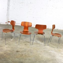 Arne Jacobsen for Fritz Hansen Model 3103 Hammer T Chairs Set of Four