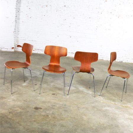 Arne Jacobsen for Fritz Hansen Model 3103 Hammer T Chairs Se