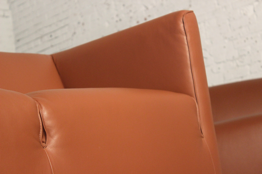 Pair of Metro 600 Inverness Leather Contemporary Loveseats