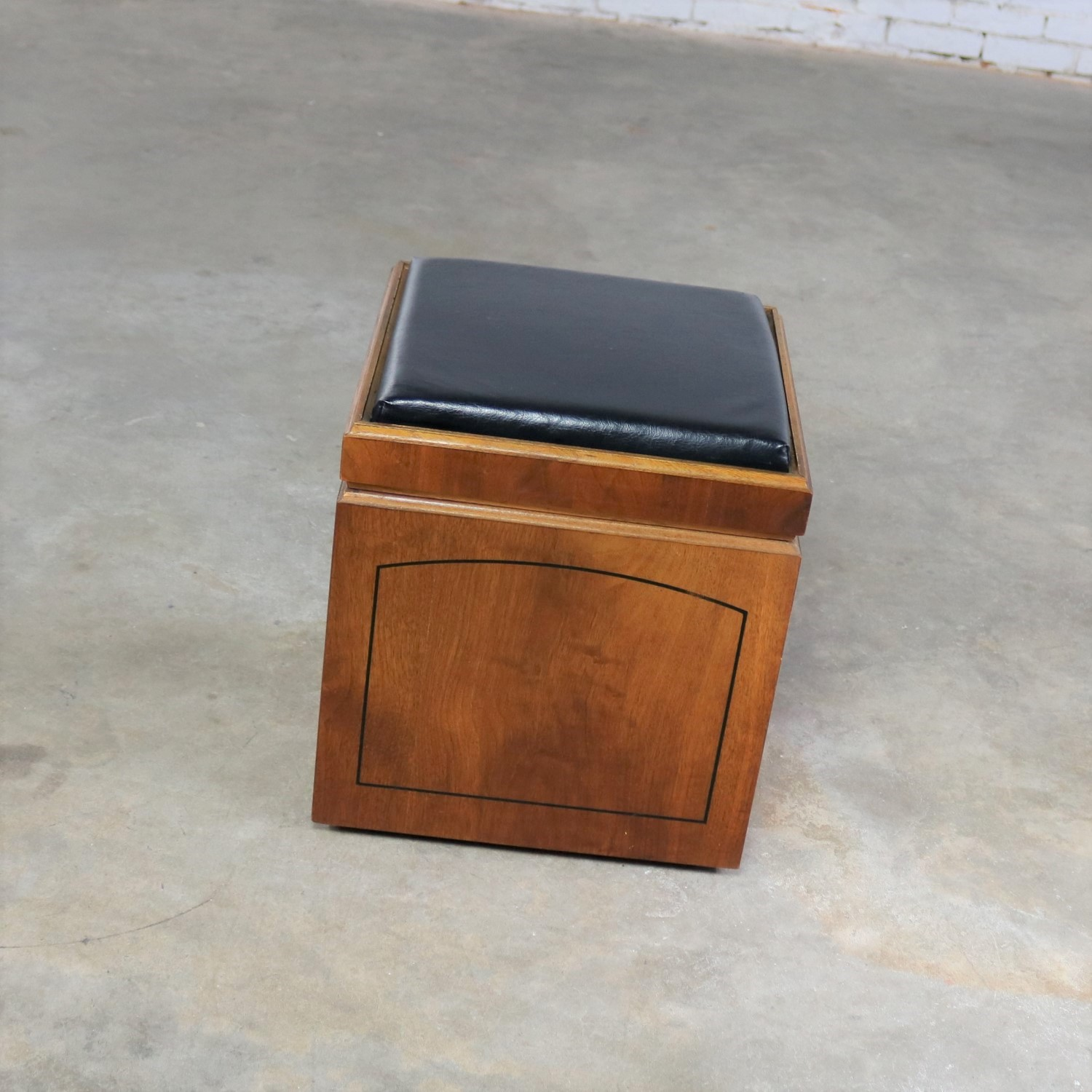 Mid Century Modern Lane Rolling Cube Storage Ottoman With