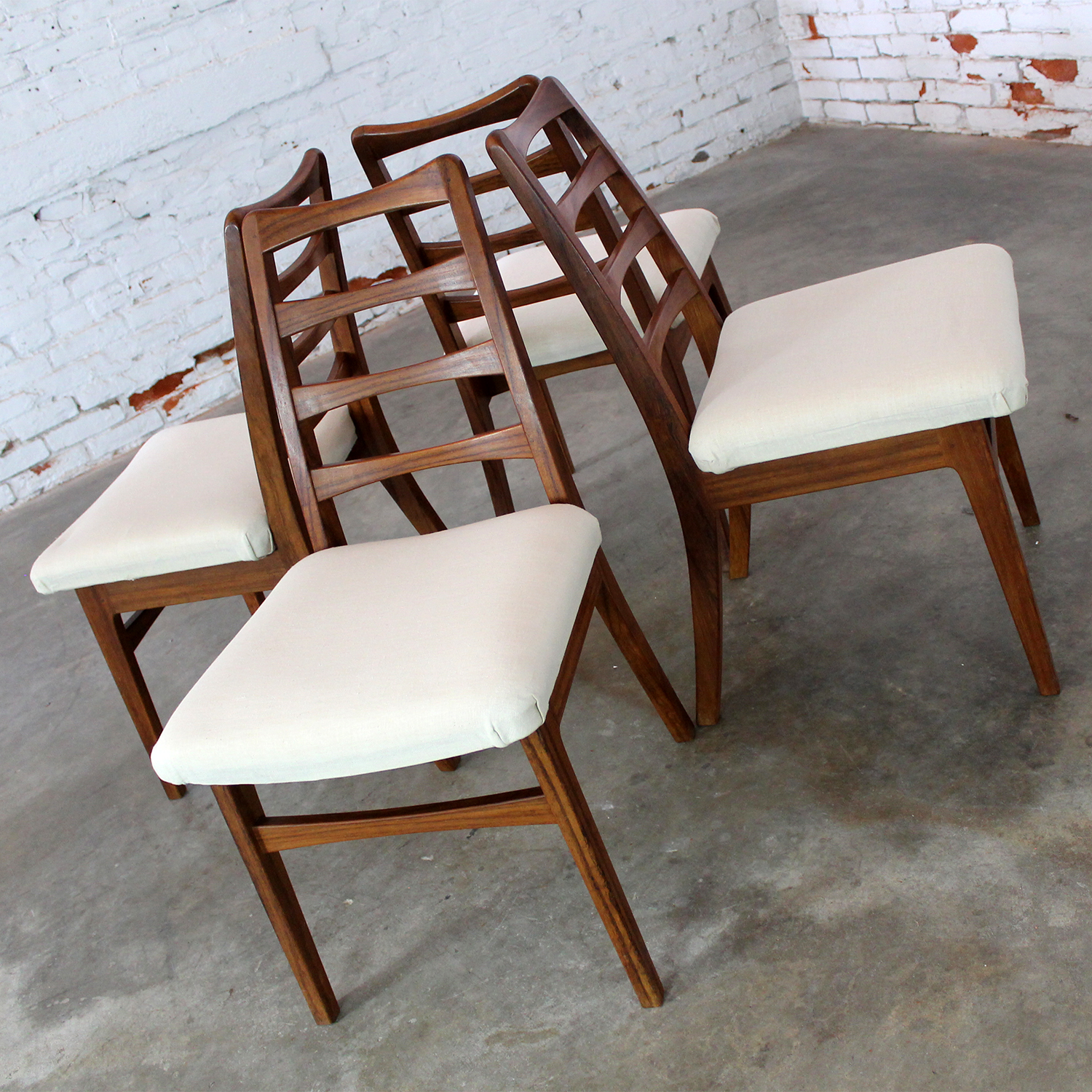 Rosewood Ladderback Dining Chairs Vintage Mid Century Modern