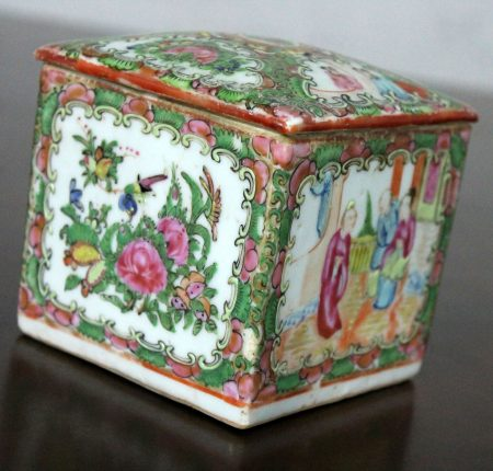 Antique Chinese Qing Rose Medallion Porcelain Square Tea Caddy Box
