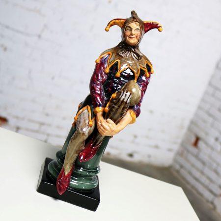 Royal Doulton Porcelain Jovial Sitting Jester Figurine HN2016
