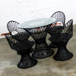 Russell Woodard Spun Fiberglass Patio Table and Four Chairs in Black