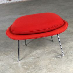 Eero Saarinen Womb Ottoman in Red