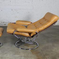 Vintage Scandinavian Modern Ekornes Style Stressless Reclining Lounge Chair & Ottoman