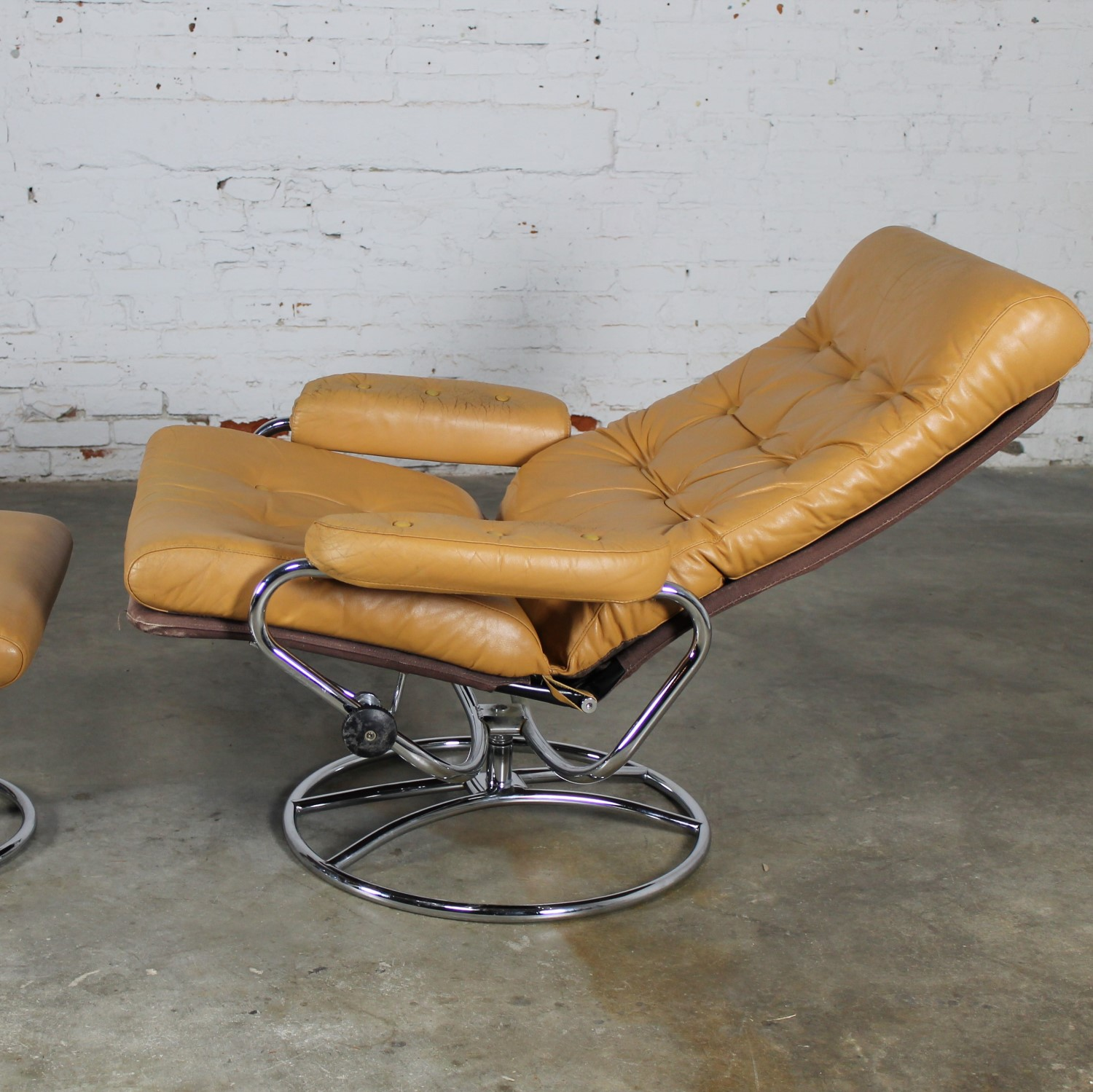 Astonishing Vintage Scandinavian Modern Ekornes Style Stressless Caraccident5 Cool Chair Designs And Ideas Caraccident5Info