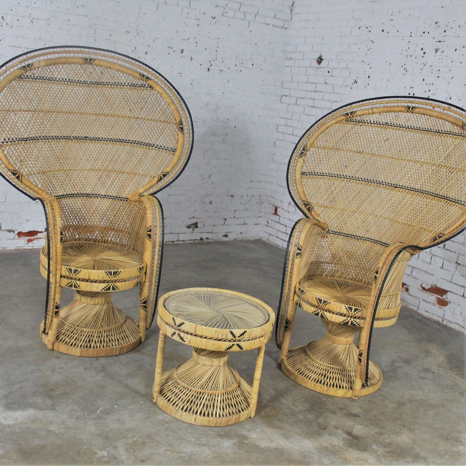 Stupendous Pair Of Wicker Rattan Peacock Fan Back Chairs And Side Table Gmtry Best Dining Table And Chair Ideas Images Gmtryco