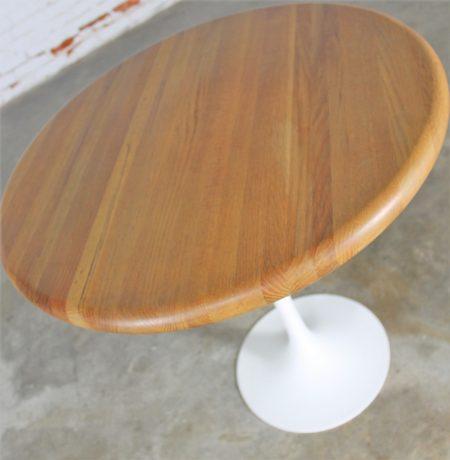 Vintage Mid-Century Modern Saarinen Style White Tulip Base Oak Top Table