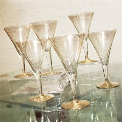 Dorothy C. Thorpe Gold Fleck Large Champagne Flutes or Wine Glasses Set of 6 Mid Century Modern