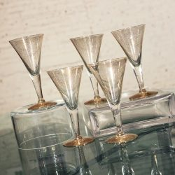 Dorothy C. Thorpe Gold Fleck Small Champagne Flutes or Wine Glasses Set of 5 Mid Century Modern