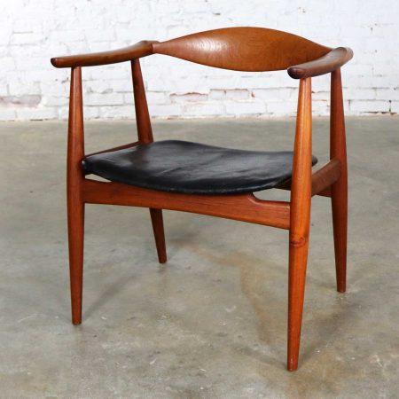 Hans Wegner CH 35 Chair for Carl Hansen and Son Vintage Scandinavian Modern in Teak