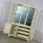 White Fine Furniture Asian Ming Chinoiserie Style Off White Lacquer Display China Cabinet