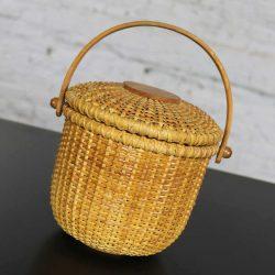 Nantucket Lightship Round Lidded Friendship Basket
