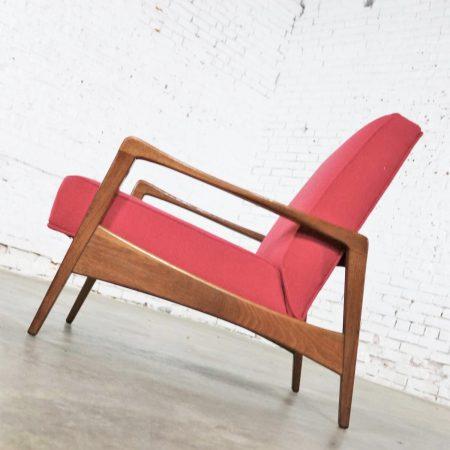 Scandinavian Modern Walnut and Fuchsia Lounge Chair Style Risom or Wanscher