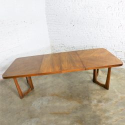 Mid Century Modern Lane Alta Vista Oak Expanding Dining Table