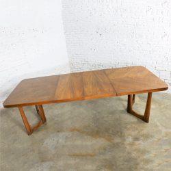 Mid Century Modern Lane Alta Vista Oak Expanding Dining Table