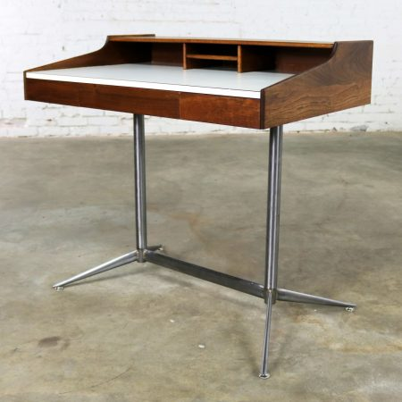 Small Walnut Mid-Century Modern Writing Desk in the Style of George Nelson