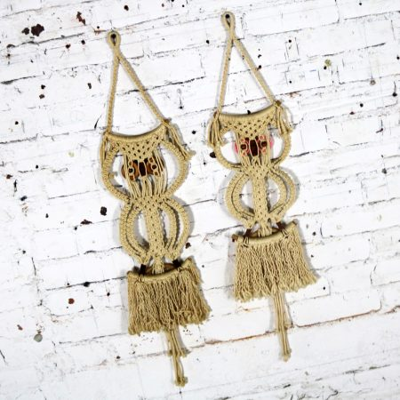 Macramé Owl Wall Hanging or Towel Ring Vintage