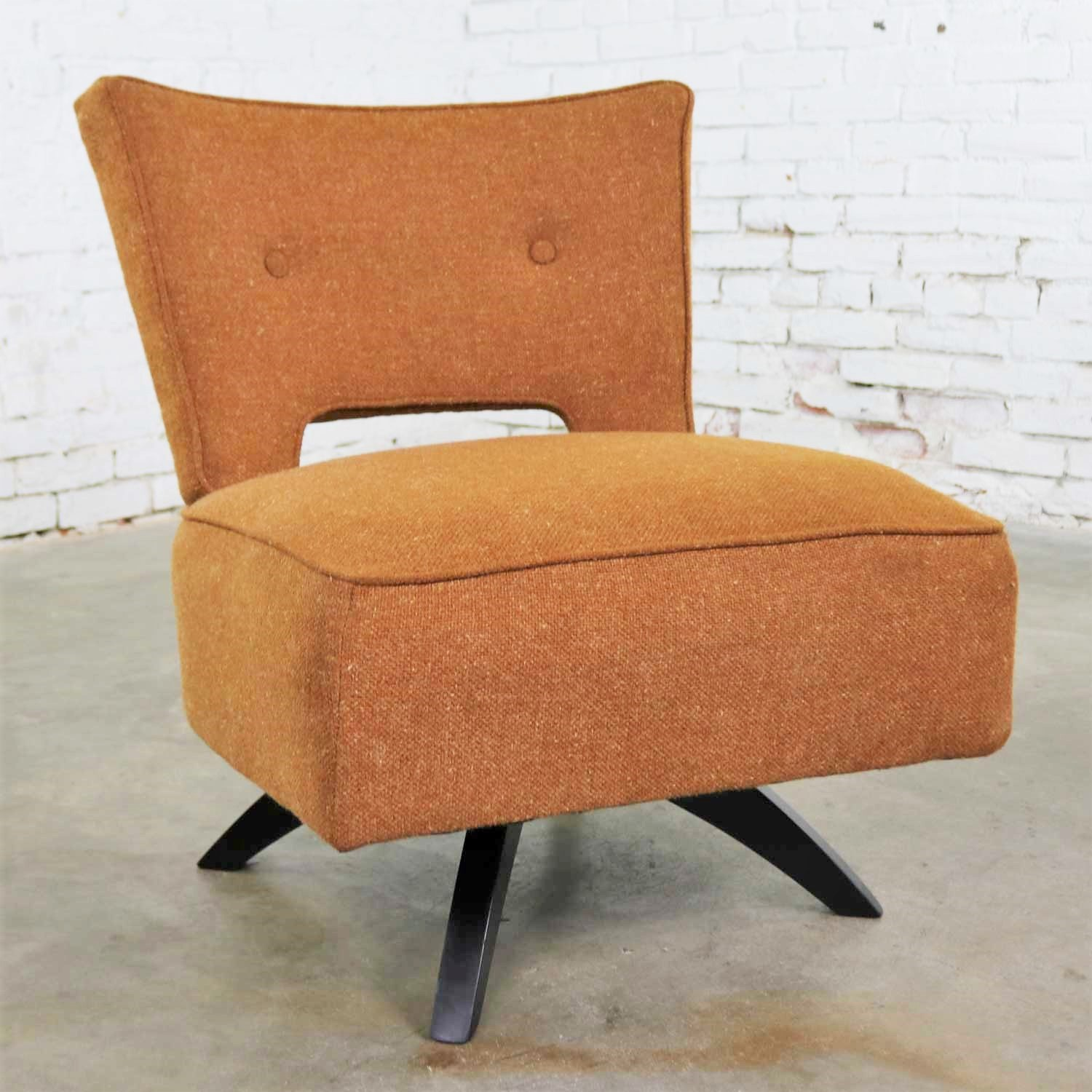 Image of: Mid Century Modern Swivel Slipper Chair Attributed To Kroehler Manufacturing Warehouse 414