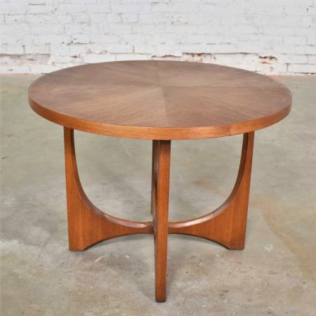 Mid Century Modern Broyhill Brasilia Round Lamp End or Side Table