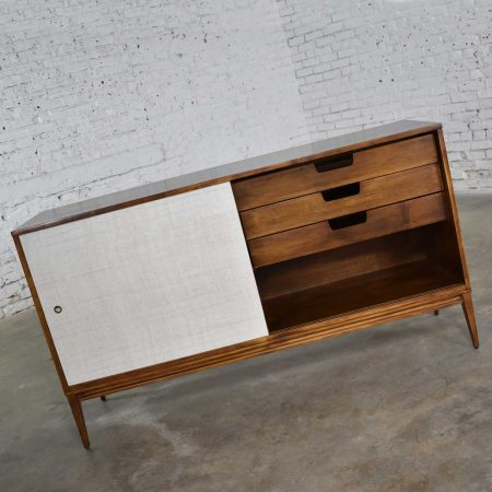 Paul McCobb Mid Century Modern Planner Group Credenza Buffet Cabinet by Winchendon
