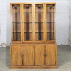 Davis Cabinet Company Lighted Display Cabinet China Hutch Vintage Mid Century Modern