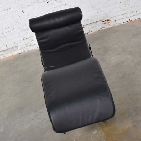 Le Corbusier LC4 Style Chaise Lounge with Black Leather Cushion by Unknown Maker