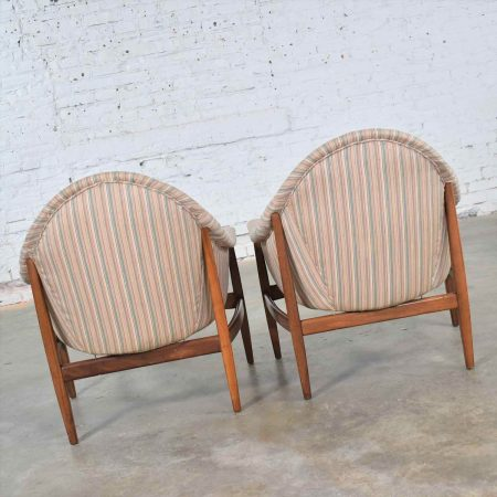 Pair Mid Century Modern Petite Tub Chairs Attributed to Thayer Coggin