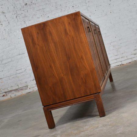 Mid Century Modern Walnut Credenza in the Style of John Stuart Widdicomb