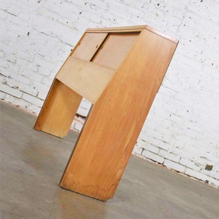 Mid Century Modern American of Martinsville Merton Gershun Urban Suburban Full-Size Bookcase Headboard