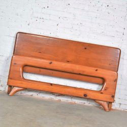 Mid Century Modern Franklin Shockey Sculpted Pine Full Size Bed