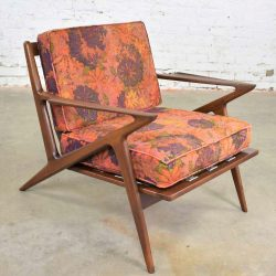 Scandinavian Modern Selig Z Lounge Chair by Poul Jensen in Walnut w/Original Fabric