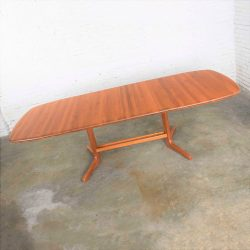 HOLD – Vintage Scandinavian Modern Teak Oval Expanding Dining Table Attributed to Dyrlund 2 Leaves