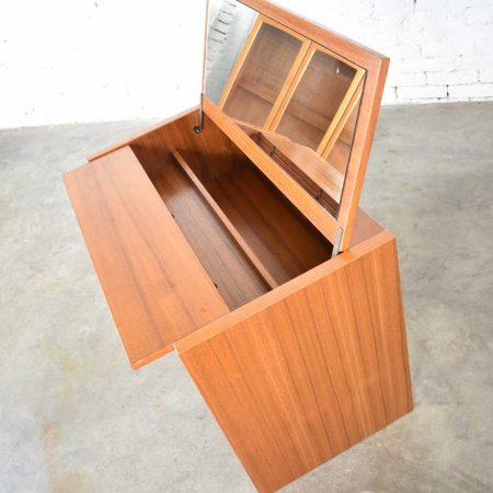 Scandinavian Modern Teak Flip Open Make Up Vanity w/Mirror by Jesper International Denmark 1960-1980