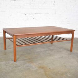 Vintage Danish Mid-Century Modern Coffee Table in Teak by Mobelfabrikken Toften