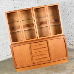 Scandinavian Modern 2-Piece Teak Buffet with China Hutch Display Cabinet Attr Dyrlund