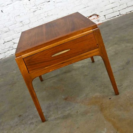 Lane Rhythm Collection Mid-Century Modern Walnut Single End Table with Drawer & Brass Pull